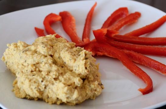 Hummus coi peperoni